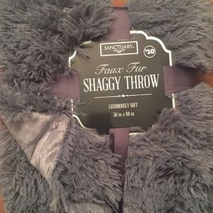 Shaggy throw